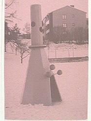 Skulptur utan titel, utanför Skönsmons förskola.