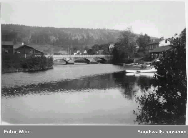 Västra bron (Videsbron) över Selångersån. Kvarteren Väständan och Videgården.