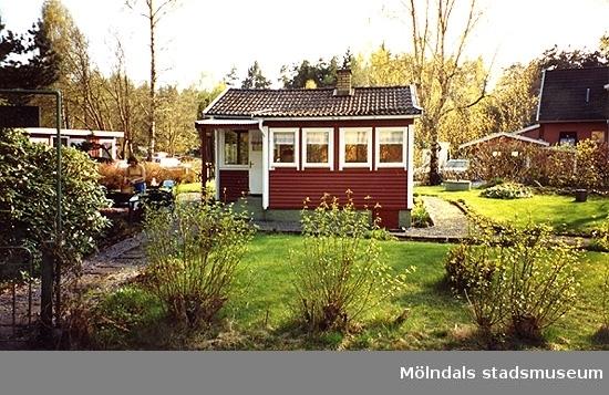Ett bostadshus.Varvsvägen 22, Gårda 2:47, Kyrkängen i Lindome 2000-04-29.