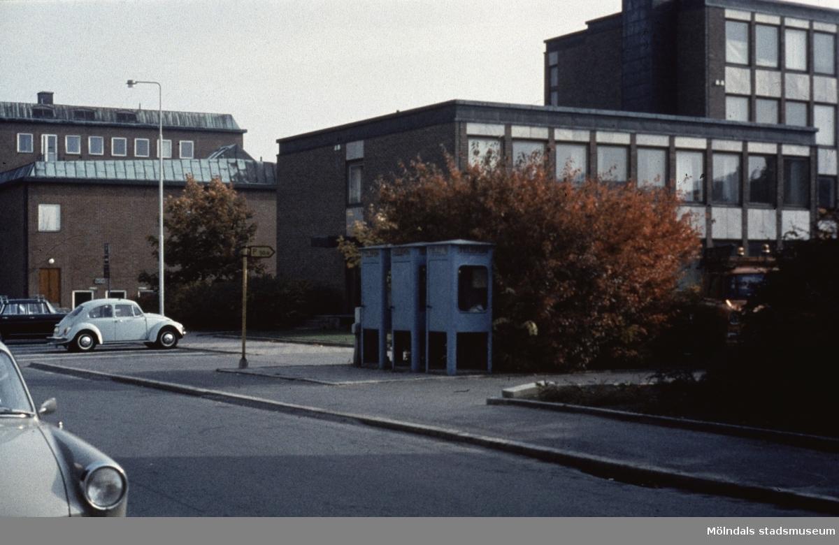 Stadshuset i Mölndal sett från Knarrhögsgatan, 1970-tal.