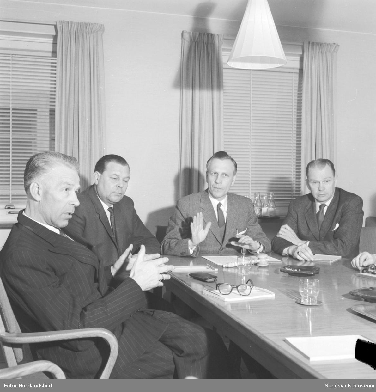 Yrkeskommittén för byggbranschen diskuterar.