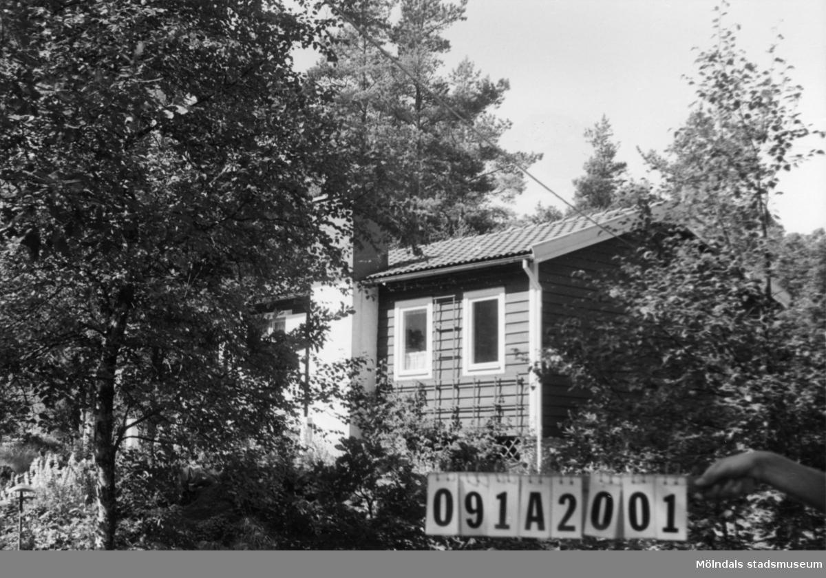 Byggnadsinventering i Lindome 1968. Hällesåker 5:14. Hus nr: 091A2001. Benämning: permanent bostad. Kvalitet: mycket god. Material: trä. Tillfartsväg: framkomlig. Renhållning: soptömning.