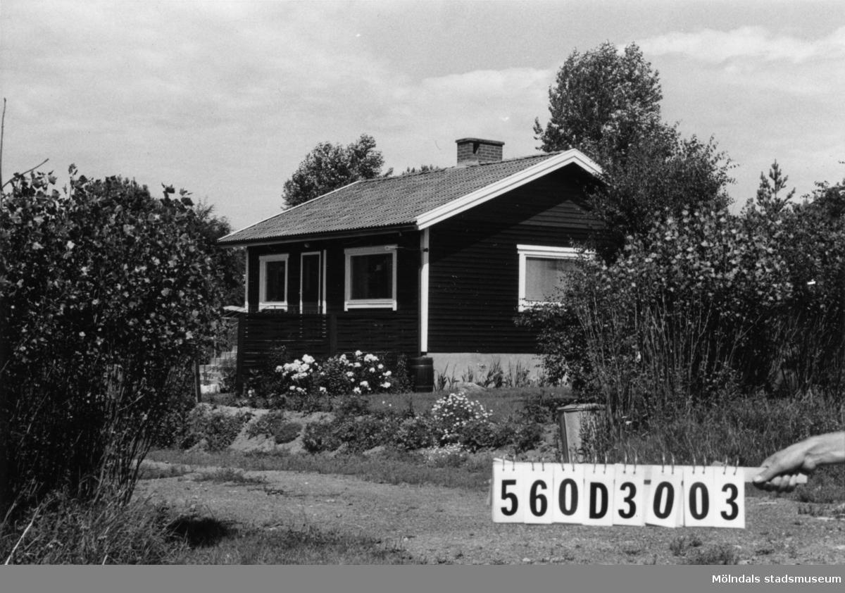 Byggnadsinventering i Lindome 1968. Gastorp 1:62. Hus nr: 560D3003. Benämning: permanent bostad. Kvalitet: mycket god. Material: trä. Tillfartsväg: framkomlig. Renhållning: soptömning.