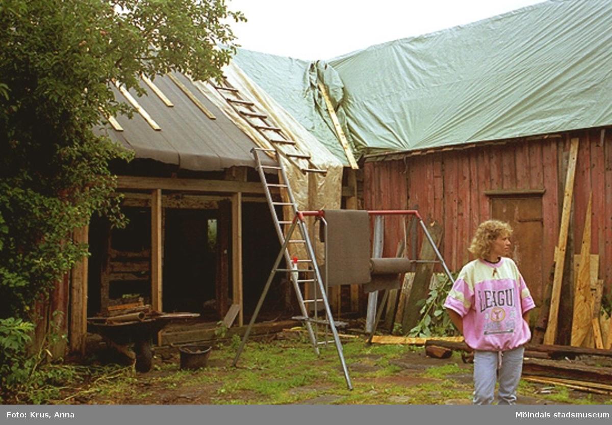 Kringbyggd innergård - pågående renovering. Högen 2:1/2:2.