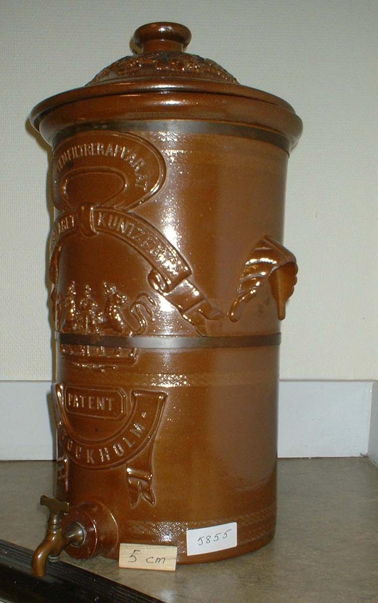 Filterapparat för vatten. Märkning: Aktiebolaget Kunze & Co. Patent Stockholm.