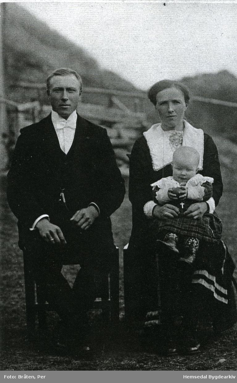 Ola T. Anderdal frå Hemsedal, fødd 1896, og kona Anne, fødd Nygard (1897-1969)