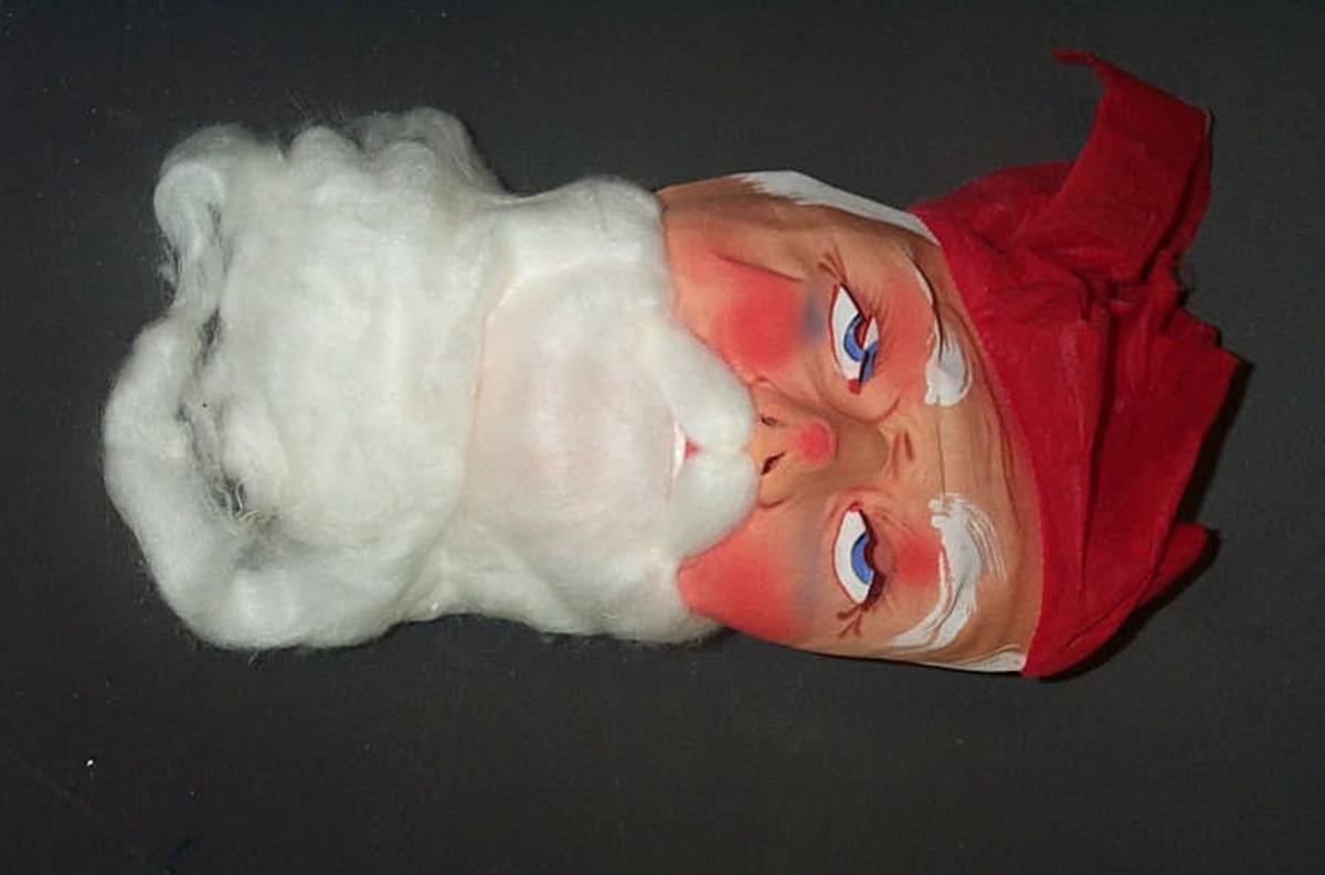 Form: Julenissemaske 2 masker med skjegg, og 1 utan.