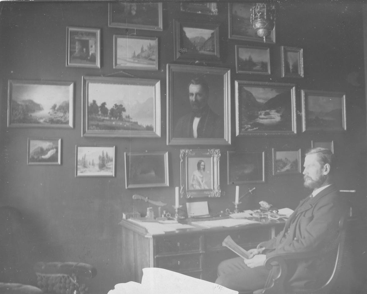Kaptein Alf Lund, direktør for Åmdals Verk Gruver. Julen 1897