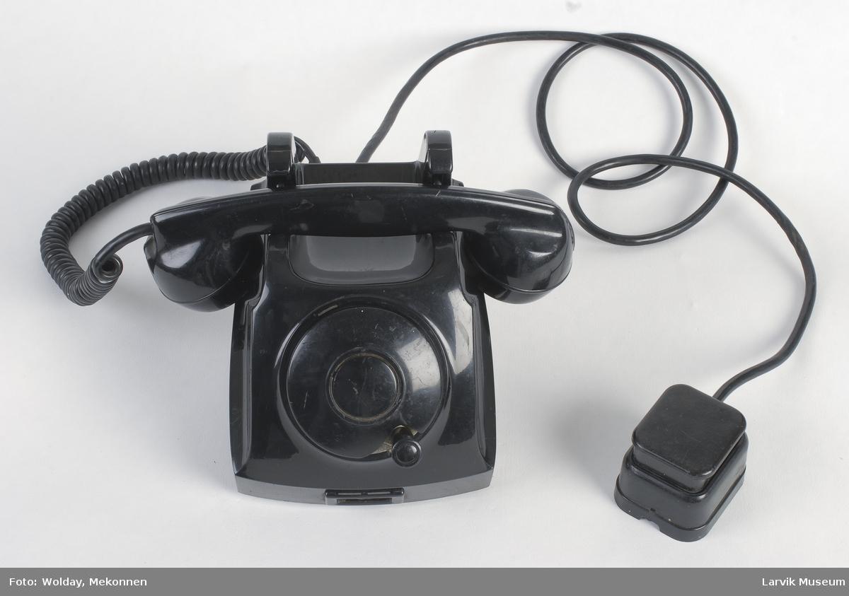 Form: Vanlig telefontype, tallskive uten tall