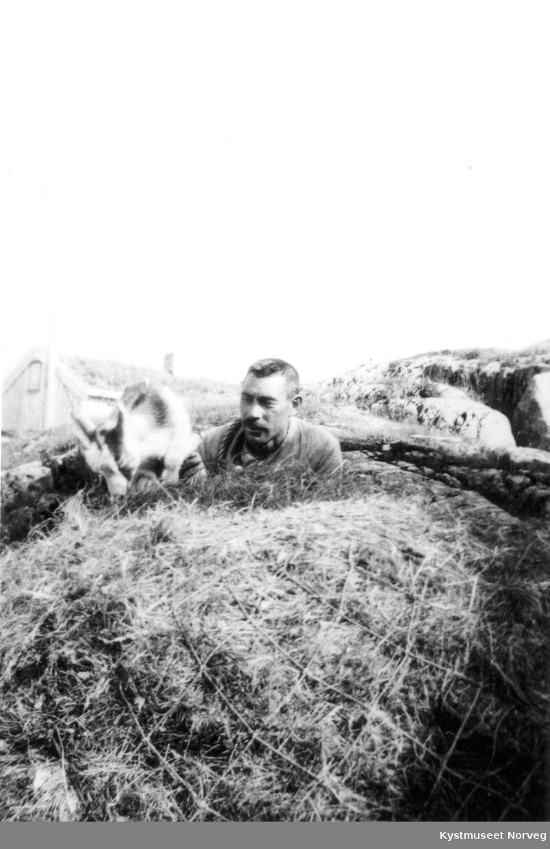 Risværet i Nærøy - høybæring av dreng Kristoffer Risvær