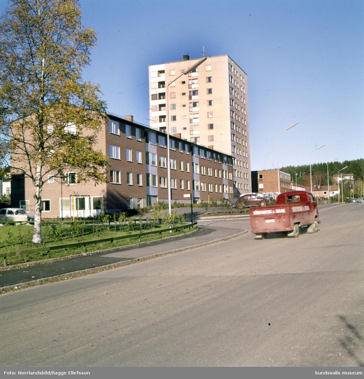 Bostadsområde i Skönsberg, främst kvarteren Alvaret samt Höghuset vid Gilleberget, Gillegränd och Skönsbergsvägen.