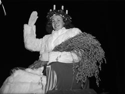 """""""Triumffärd för Upsalas Lucia"""", Uppsala 1942"""
