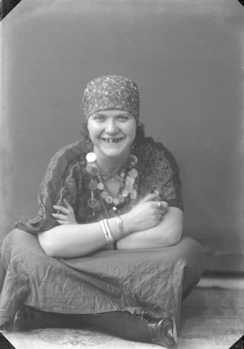 Portrett - Ung kvinne.