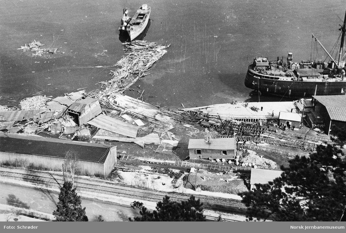 Stasjonsområdet på Hommelvik etter raset 15. april 1942