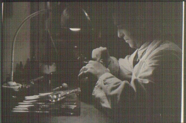 Guldsmed Bengt Nykvist, tillverkning av sked.