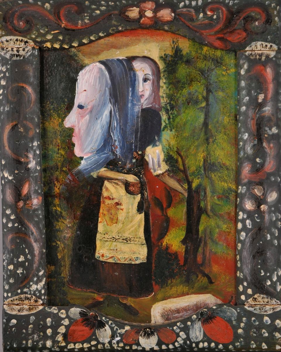 Kvinnefigur med dobbelt ansikt. Kvinna står ute i skogen og biletet er måla i mørke men klare fargar.  Ramma rundt biletet er måla i ein grønsvart farge med blomsterranker i raudt og kvitt og kvite spettar. Det er tydeleg at ramma er ein del av heilhetsuttrykket.
