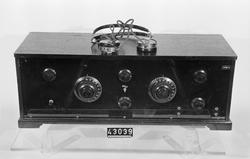 Radioapparat med hörlurar