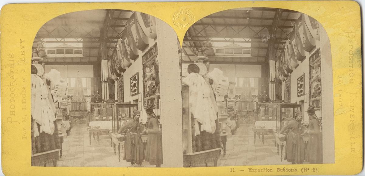 Stereobild med motiv av svenska paviljongen på Världsutställningen i Paris 1867.