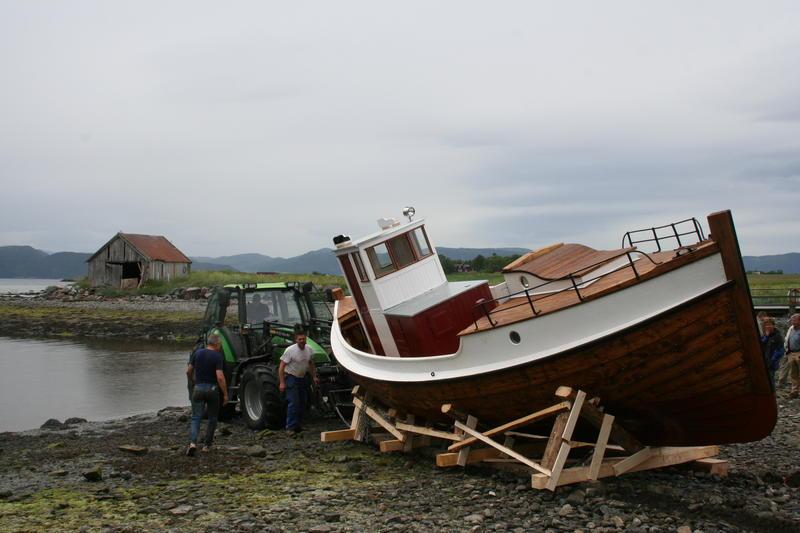 Børsabåten Eivind sjøsettes.