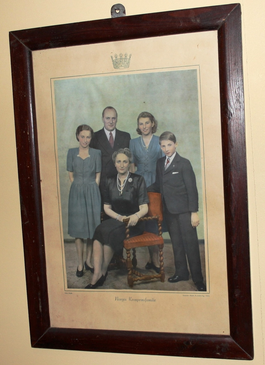 Kronsprinsfamilien; Olav, Märtha, Astrid, Ragnhild, Harald