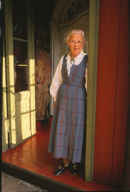 Gunhild Bakke ble på Asker museum livet ut. Hun bodde i andre etasje i huset til Tilla og Otto Valstad. (Foto/Photo)