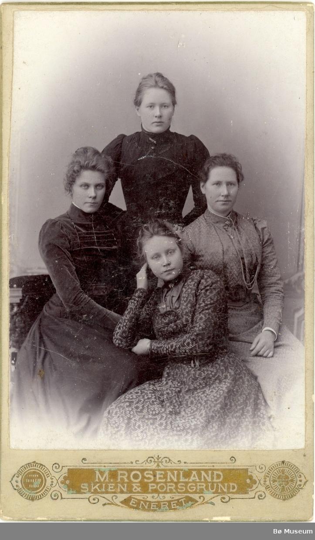 4 kvinner, bykjolar