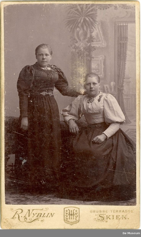 2 kvinner, heiligur