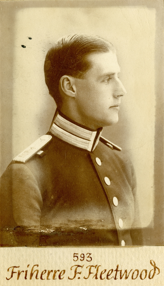 Porträtt av Folke Fleetwood, löjtnant vid Göta livgarde.