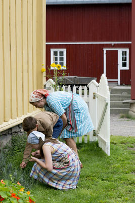 Children in the Trøndelag Farmstead