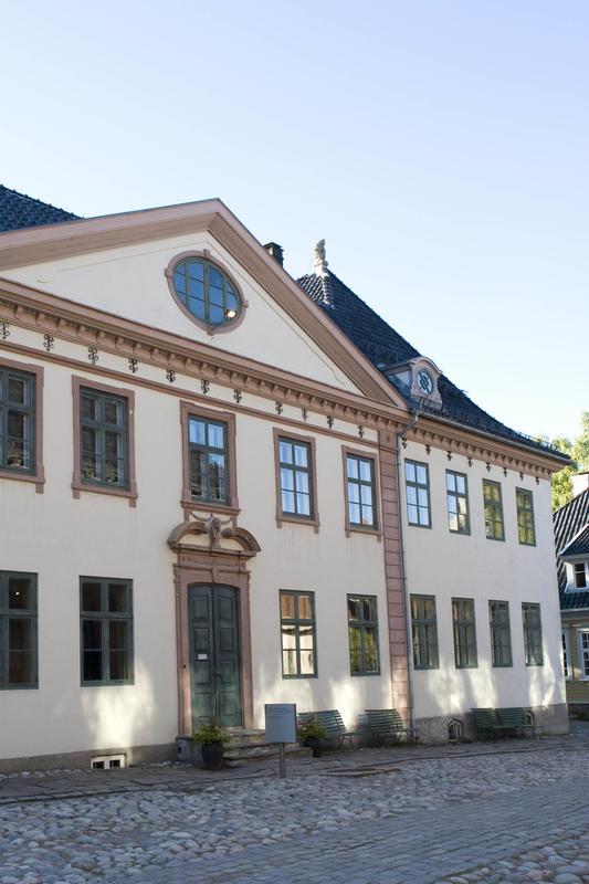Collettgården, Kirkegata 15