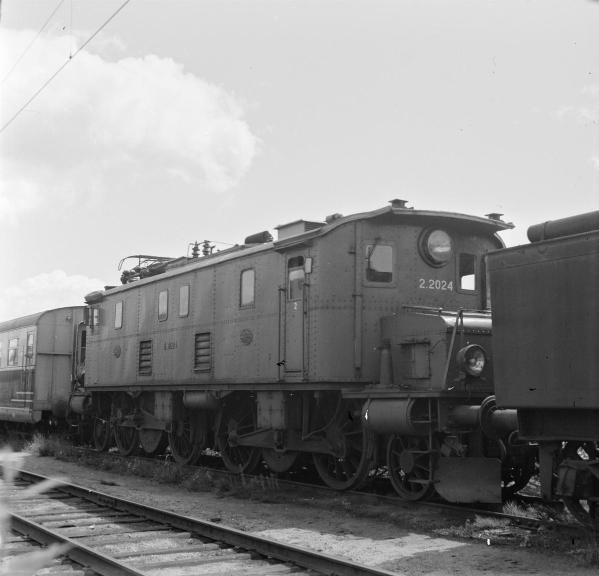 Elektrisk lokomotiv El 2 2024 hensatt på Sundland i Drammen.