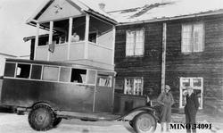 Buss - Chevrolet - Gråen.