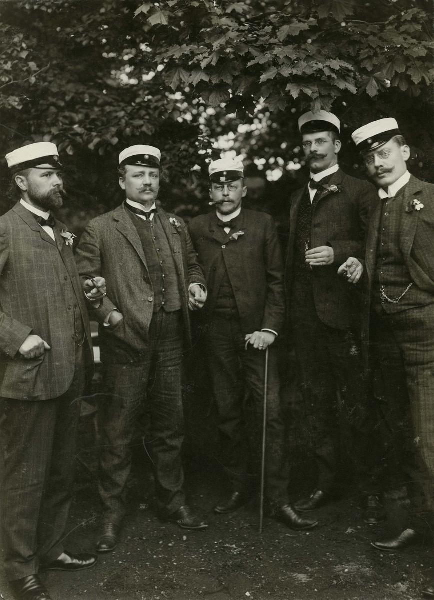 1886-års studenter (9 Juni) 25-års jubileum 1911 Från vänster:1.? 2.? 3.Herman Simmons 4.Carl Gustaf Edelstam 5.Målle Schmidt Otto Edelstam samling