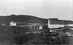 Trondenes kirke og prestegård.