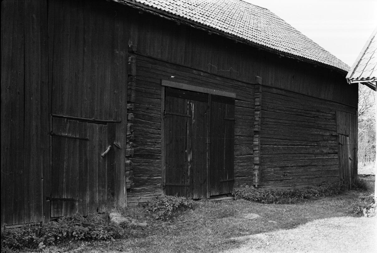 Lada och loge, Bräcksta 2:8, Tensta socken, Uppland 1978