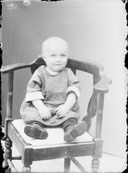 Ateljéporträtt - spädbarn, Alunda, Uppland