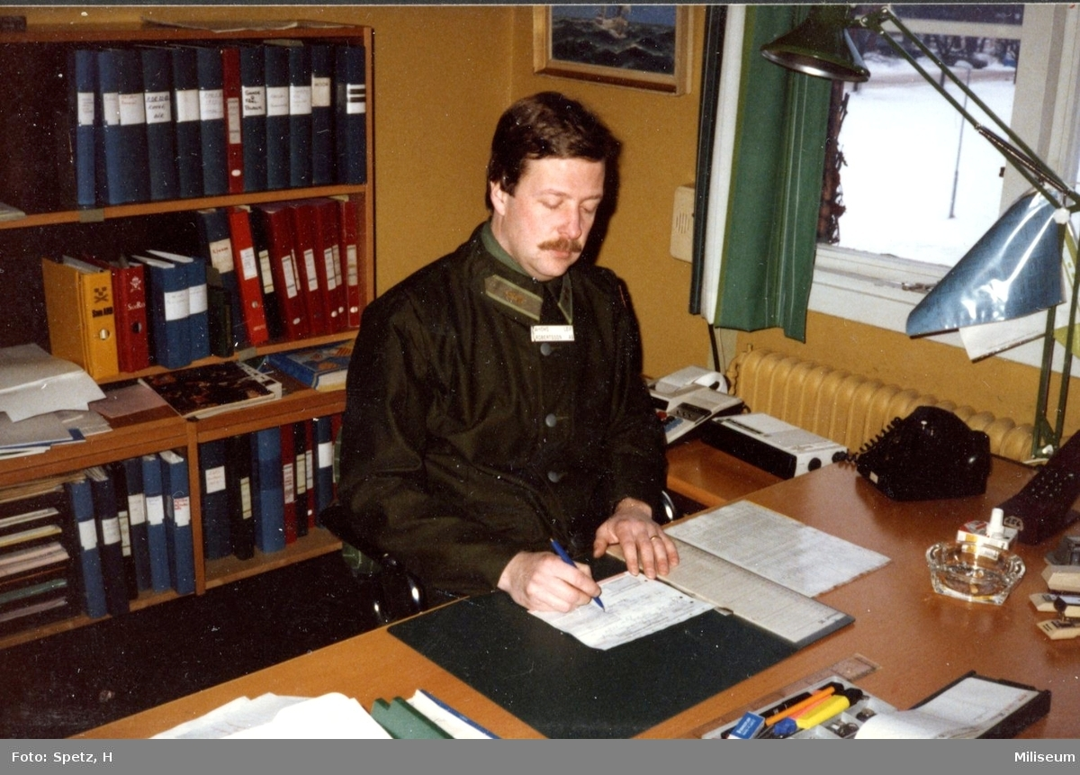 Robertsson, Leif, Löjnant. Kursadjutant, reservofficerskurs (ROK). A 6.