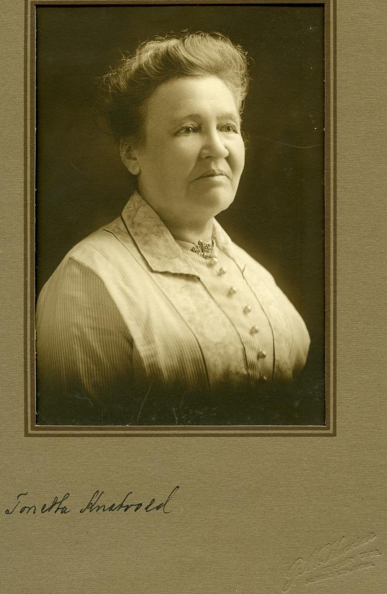 Portrett av Tonette Knatvold. Utvandreet til Amerika.