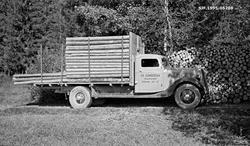Transport av cellulosekubb med lastebil. Fotografiet er tatt