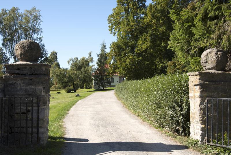 Enkleste adkomst til Storhamarstuene er via Storhamarporten nedenfor Urtehagen. (Foto/Photo)
