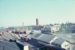 Vy från bangården i Västervik. Bakom denna syns Bangatan och