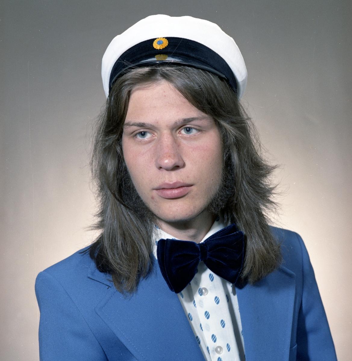 En av Arvikas examinerade studenter 1974.
