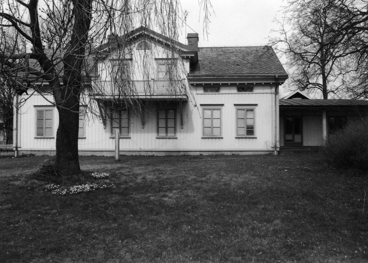 Strands herrgård uppförd av garvare Petter Lindgren 1866.