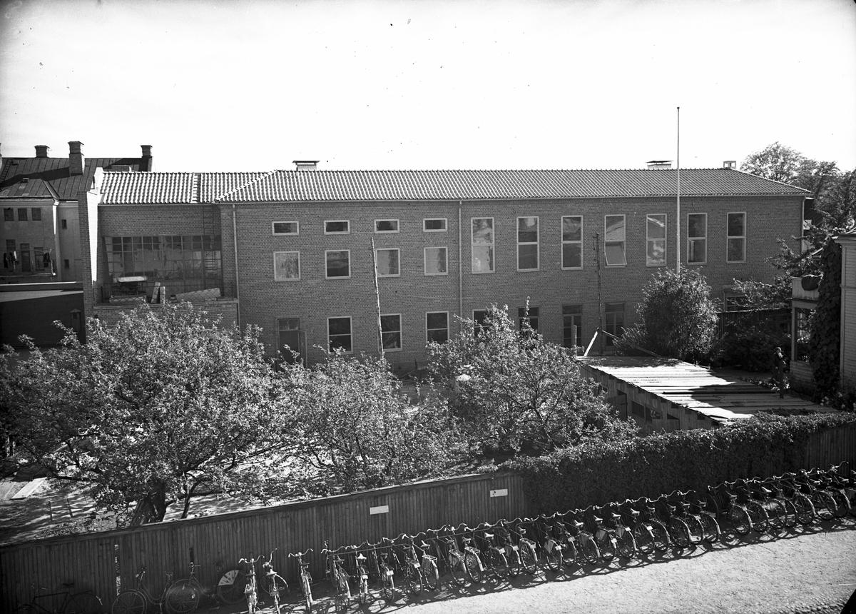 Textilgården, tillhörande Gefle Ångväfveri AB. Ångväveri markarbete. 1947. Reportage för Arbetarbladet.