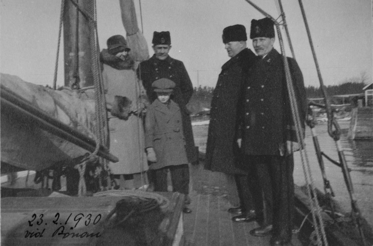 Fartygsbilder, lotsen Helmer Alms album. Foto den 23 februari 1930 vid Bönan.