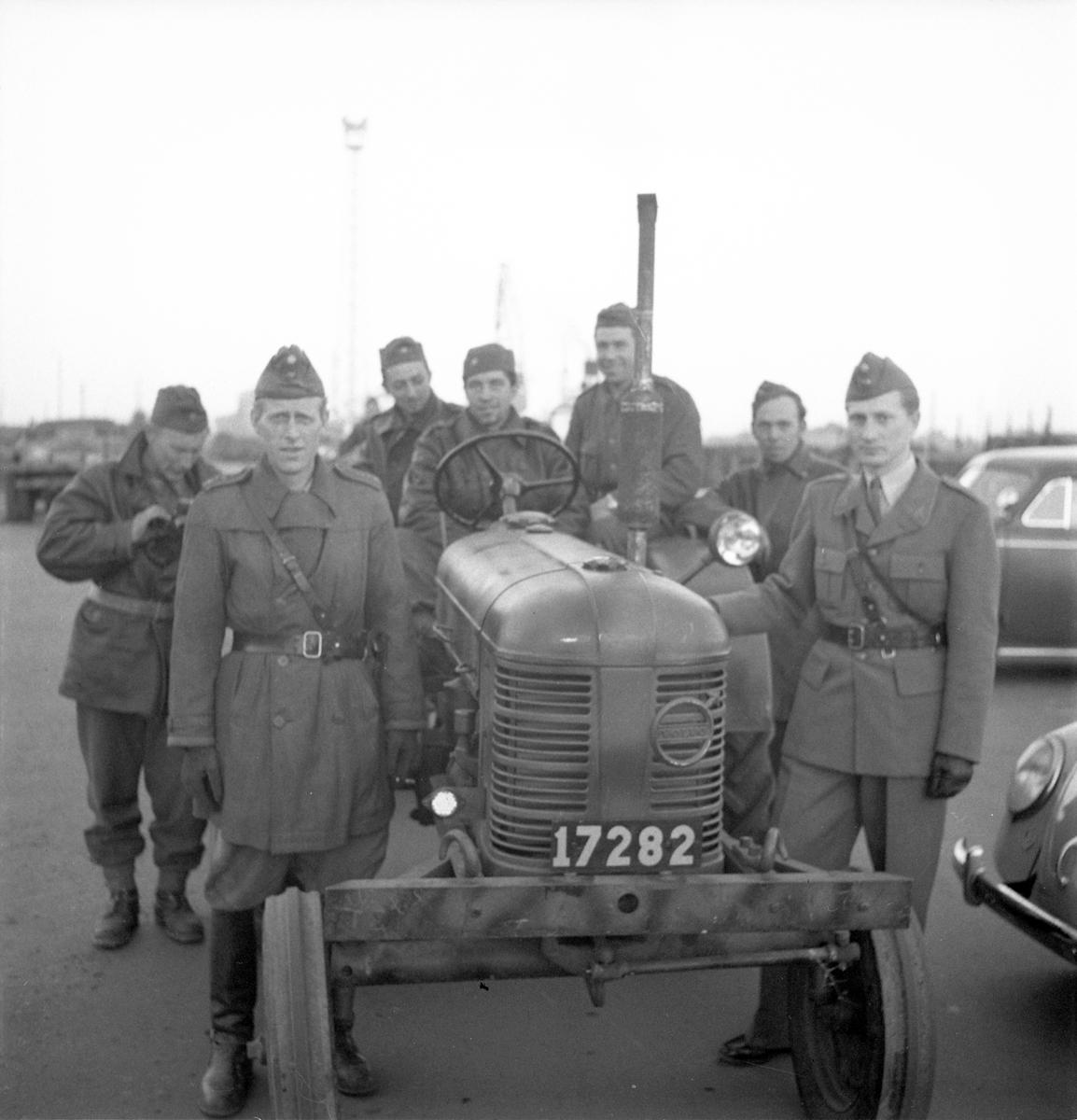 Kungsbäck. Hemkomst från manöver i Småland. 12 oktober  1950.