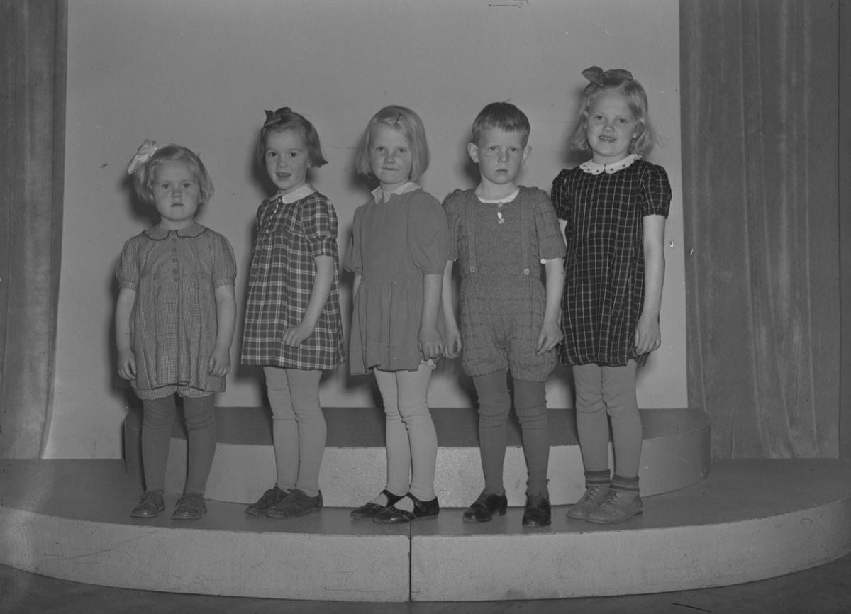 Barn från kolonin i Rörberg. Maj 1944