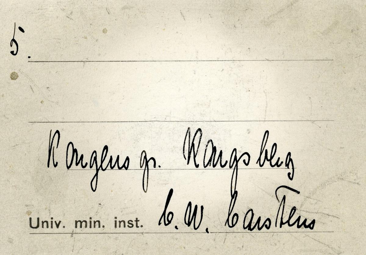 Etikett i eske: 5.  Kongens gr. Kongsberg C.W. Carstens