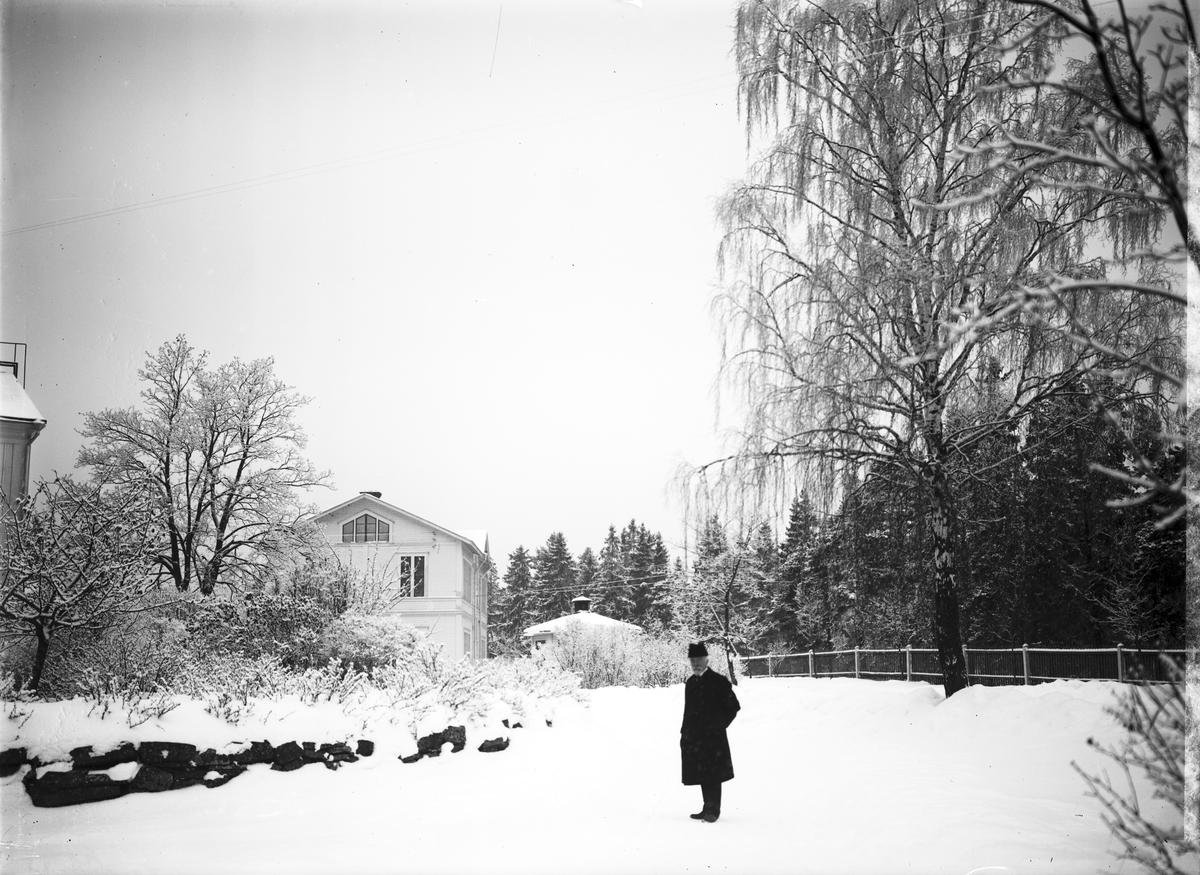 Karlsberg Gustaf Adolf Åsander donerade egendomen till Gävle Stad Där uppfördes 1899 ett arbetshem för pojkar med sovruml och salar för gymnastik, slöjd och skola. 1926 även ett arbetshem för flickor.