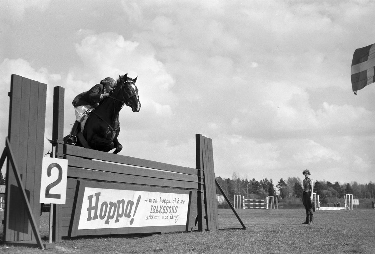Hästhoppning. I 14. Den 17 maj 1953